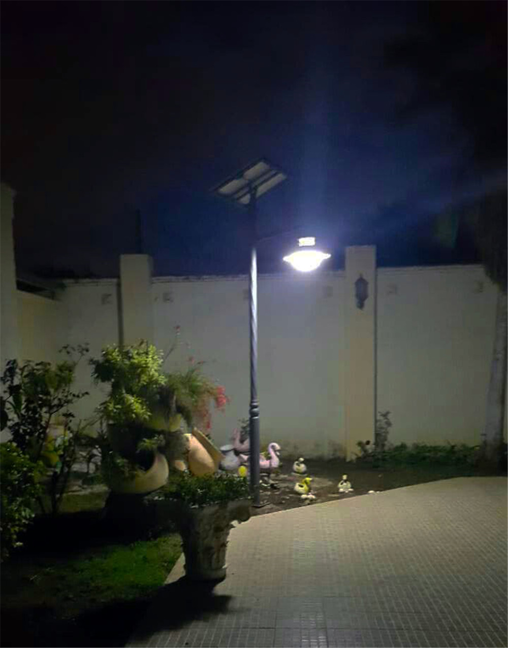 Project: 10W Solar Garden Light In A Villa In Kenya